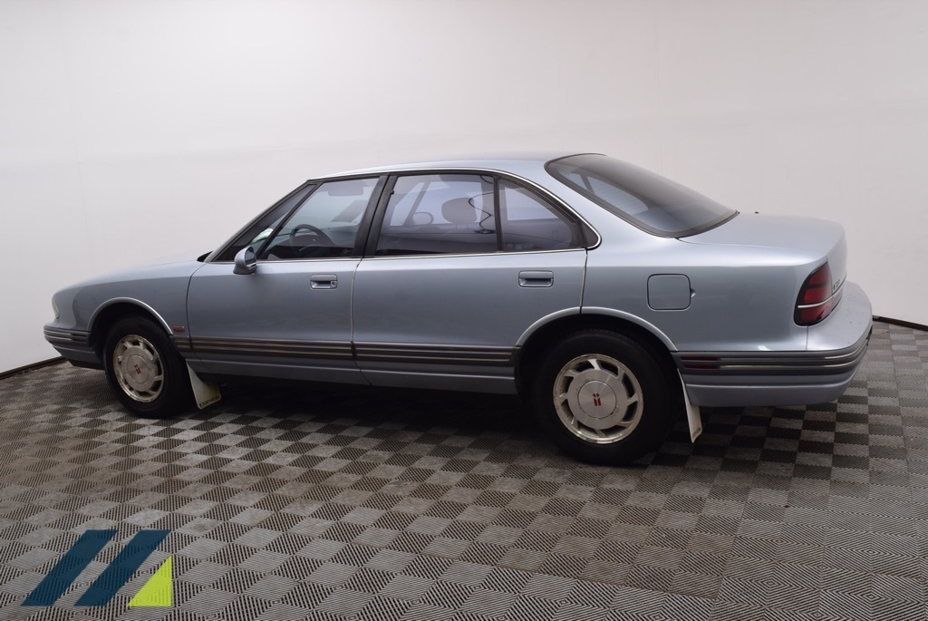 Pre-Owned 1995 Oldsmobile Eighty-Eight Royale